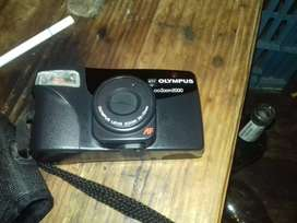 Olympus Zoom 2000 38mm to 70mm