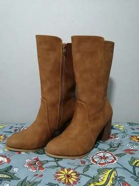 Size 5 Heeled Tan Boots