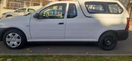 NISSAN NP200 BAKKIE WITH CANOPY 1.6