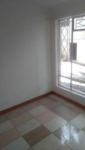 SHARED AND SINGLE ROOMS IN ROSEBANK