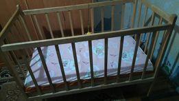 Продам кроватку (кровать для малышей)