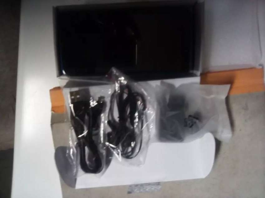 Selling my r7 mobicell phone still New r850 0