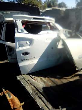 Ford EcoSport back parts R2500 all
