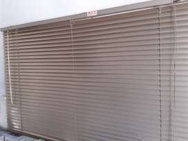 Blinds. Available immediately !!!