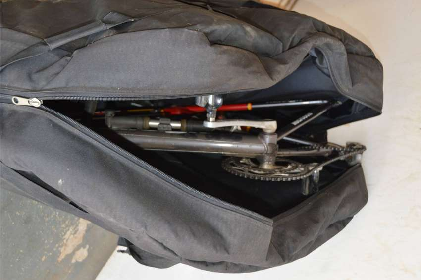 REDUCED : LARGE SHIMANO BICYCLE BAG WITH PADDED MATERIAL 0