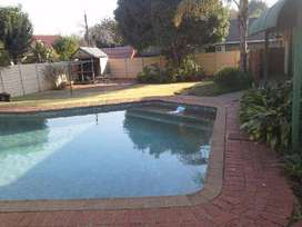 BUDGET BUSTER  SWIMMING POOLS