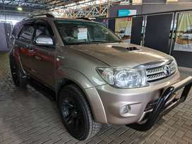 `2009 Toyota Fortuner 3.0D4D R/B Auto-Only 193500km-R219900