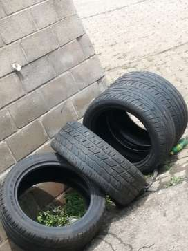 275. 45 R20 tyres