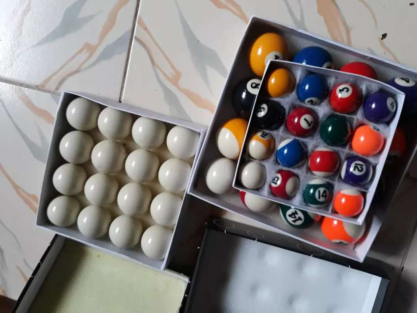 Pool table accesories 0