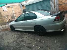 Chevrolet, 2005,, 14years old, it's a car with a v8 5.7l engine petrol