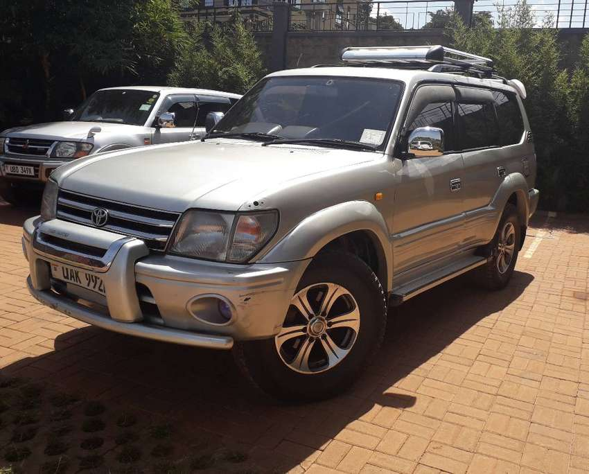 Prado TZ 3.5, V6 Patrol. In super condition and well maintained. 0