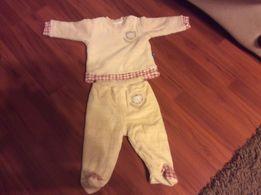 Теплый костюмчик на ребёнка от 5 месяцев.Штанишки новые.Турция.
