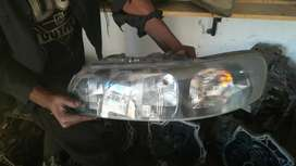 Volvo S60 both side headlights are available for pickup 2005/2009