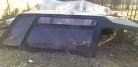 I'm selling vw caddy bakkie canopy