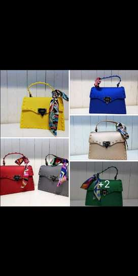 Shoulder handbags and beach sets