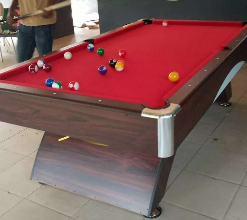 Snooker board with complete accessories 0