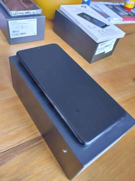 Samsung S20 ultra as new in box for bargain