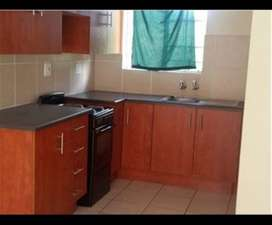2 bedroom apartment to rent in rusternburg central