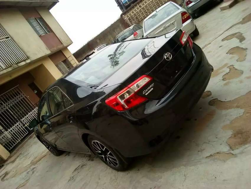 Tokunbo 2013 TOYOTA CAMRY 0
