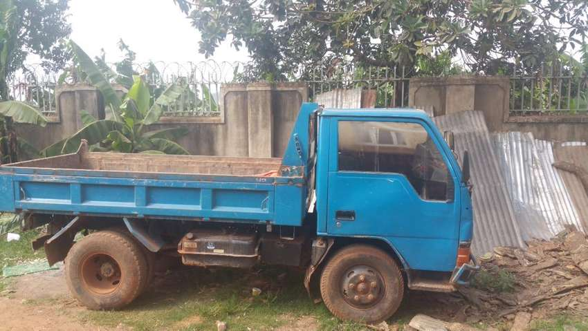 Canter tipper in good condition 0