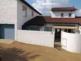 Upcoming Auction: 3 Bed townhouse in secure complex on auction in Pta