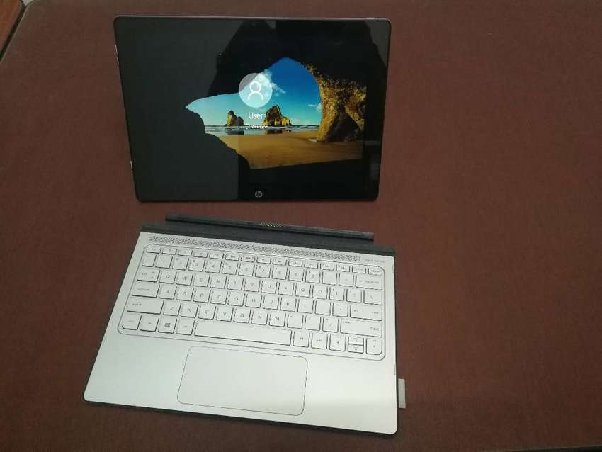 HP Spectre X2, 2-in-1 Tablet Laptop R12 000 neg 0