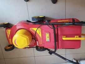 Brand new lawnmower. POP available. Buying price @ store R3300