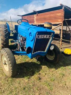 Tractor Ford 3000.