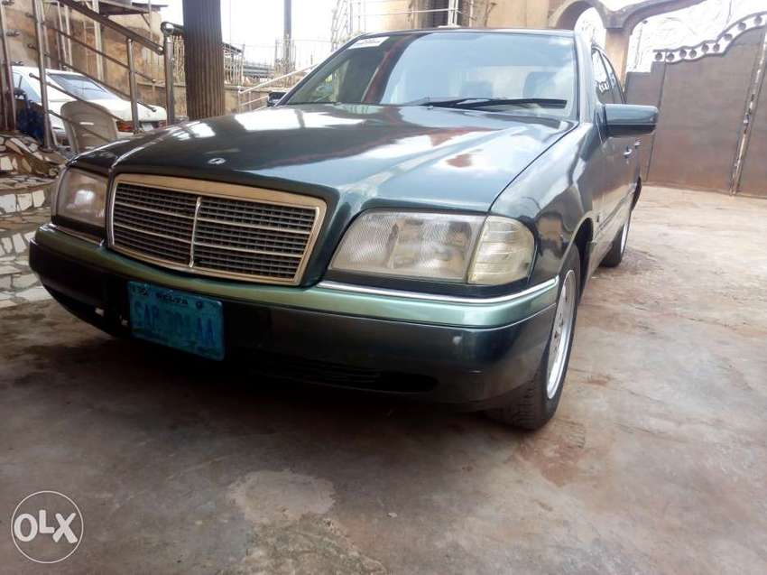 Very clean Mercedes Benz just buy and drive 0