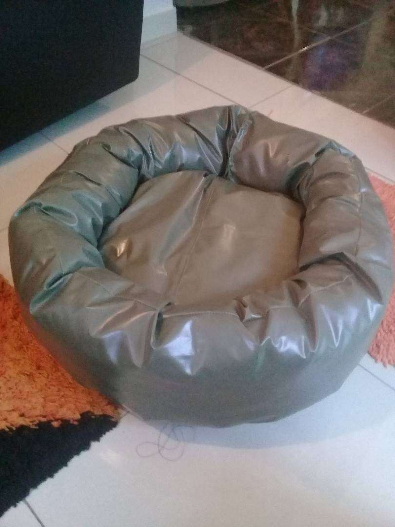 Awesome dog and cat beds 0