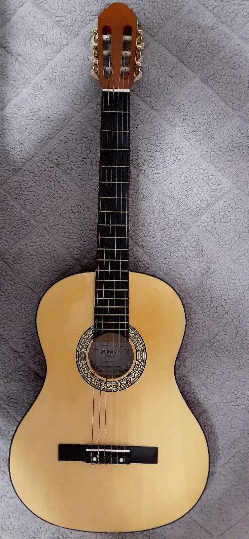 Rubicon junior guitar (with tuner for R150 and with soft case R150) 0