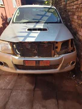 Stripping toyota hilux 3.0 d4d