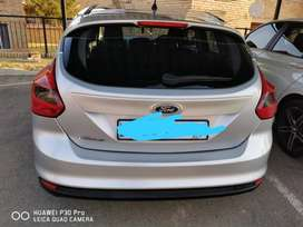 Im selling my Ford focus 1.6 Ti-vct Ambiente hatchback 5doors