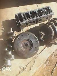 Image of ford rocam crankshaft and top head