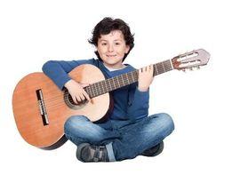 Індивідуальні уроки вокалу та гри на гітарі