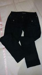 Черные фирменные джинсы, М