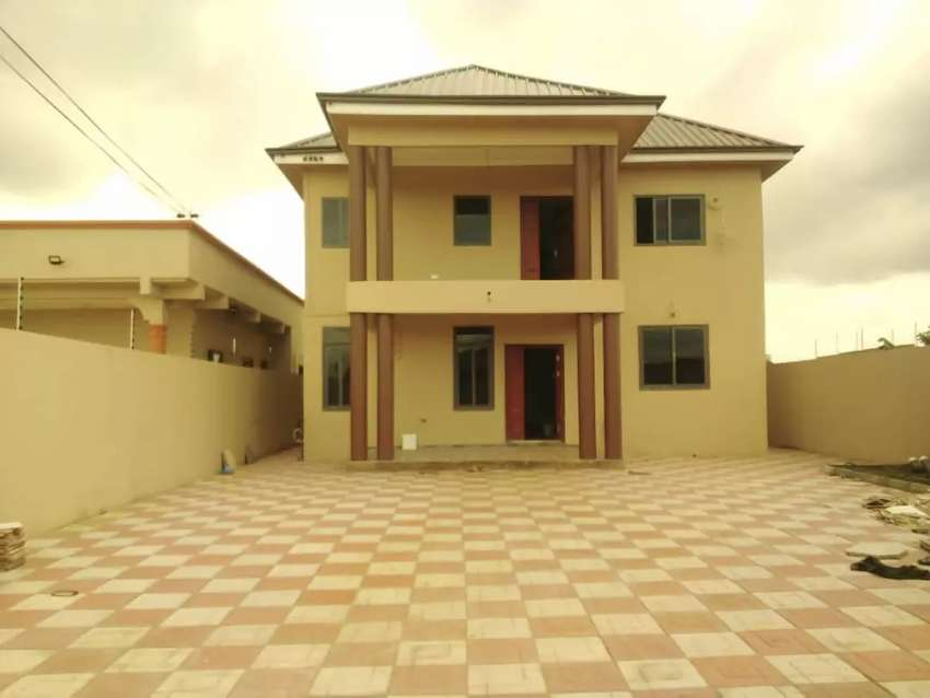 4 BEDROOMS STORY BUILDING 0
