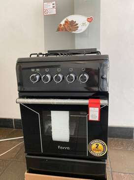 Brand new 4 burner gas stove with gas oven