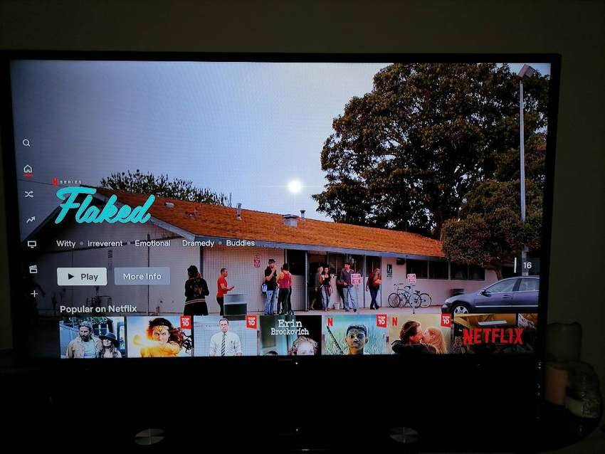 """Samsung 48""""LED TV with stand R5250"""