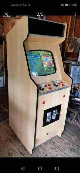 Video Gaming Machine 1000 games in 1 box