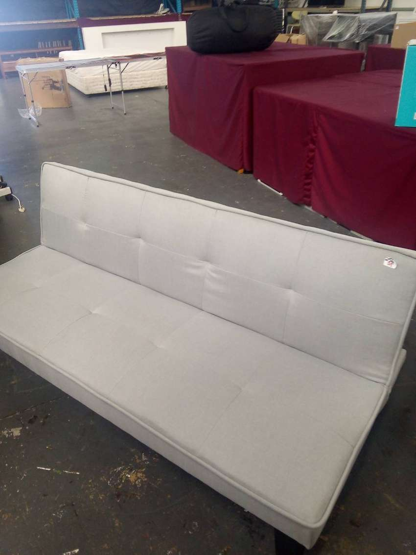Sleeper couch 0