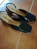 Buty z miękkiej skórki z odkrytą piętą