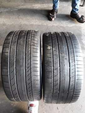 245/35/18 runflats.  Two continental contact sports5 tyres available