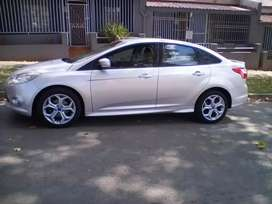 2013 Ford Focus, 117,000km, manual, leather interior, engine 2.0