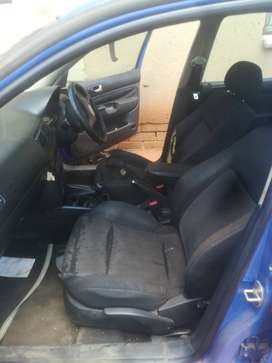Has keys, 1,8 golf,