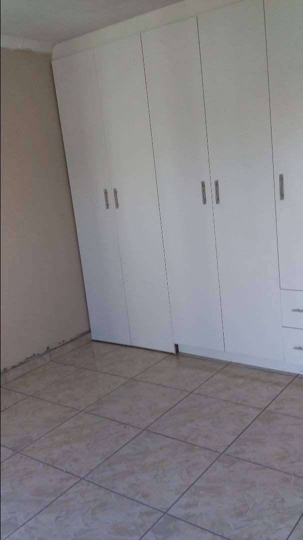 3bedrooms with insuite for rental at protea Glen ext13 0