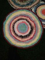 Вязаный коврик для этно-интерьера диаметр 60 см.
