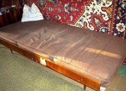 продам тахту с поддоном (диван, кровать)