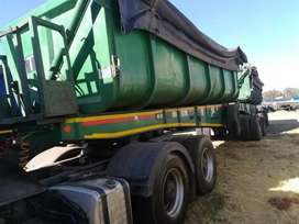 SIDE TIPPER TRUCKS FOR HIRE(34 TONS)