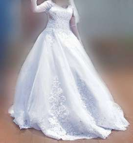 Wedding Dress - White - Ball gown